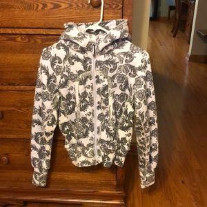 Lululemon scuba jacket size 6